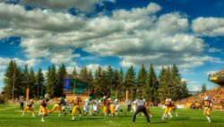 Wyoming RB Valladay Named MW Player Of Week